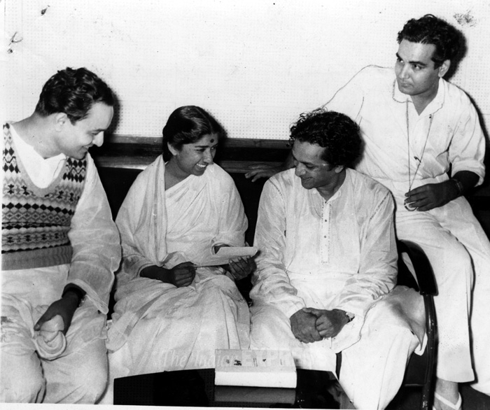 Lata with Mukesh, Pt. Ravi Shankar and Shailendra