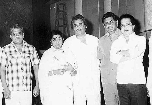 Lata with Pyarelal, Kishore Kumar, Anand Bakshi and Laxmikant