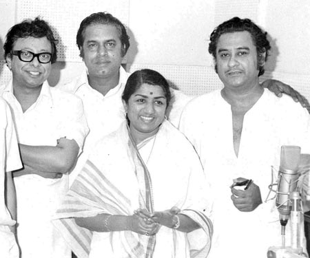 Lata with R.D.Burman, Shakti Samanta and Kishore Kumar