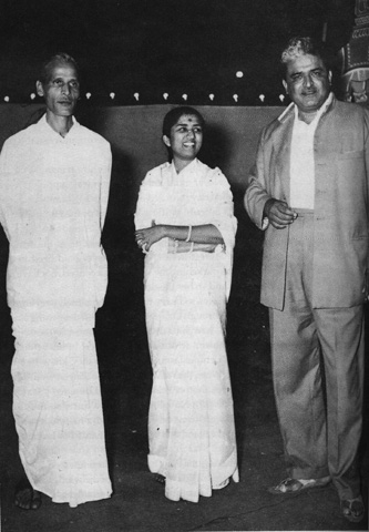 Lata with Kavi Pradeep and C.Ramchandra