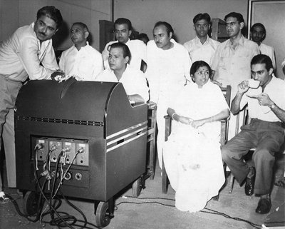 Lata with C. Ramchandra and Talat Mahmood