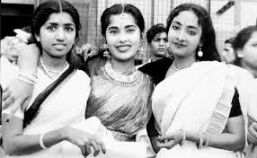 Lata with Meena Kapoor and Geeta Dutt