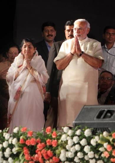 Lata with Narendra Modi
