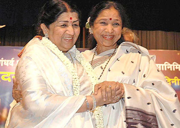 Lata with Asha Bhosle