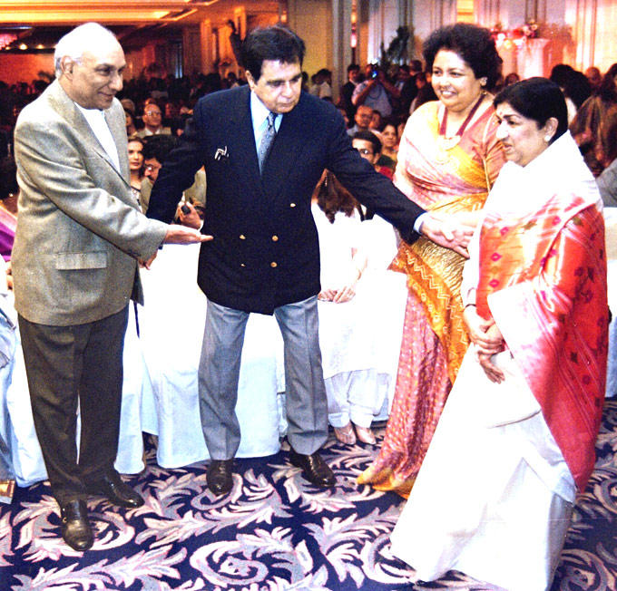 Lata with Yash Chopra, Dilip Kumar and Pamela Chopra