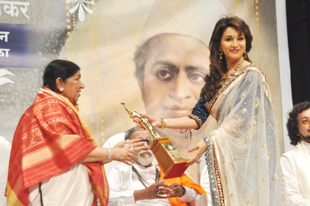 Lata with Madhuri Dixit