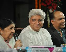 Lata with Javed Akhtar and Ashutosh Gowarikar