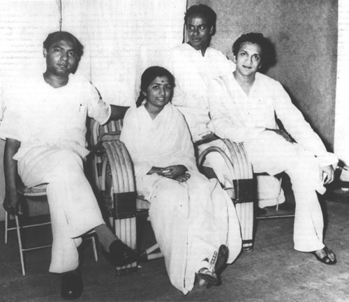 Lata with Ustad Ali Akbar Khan, Pt. Chaturlal and Pt. Ravi Shankar