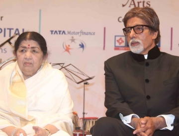 Lata with Amitabh Bachchan