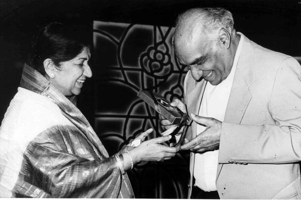 Lata with Yash Chopra