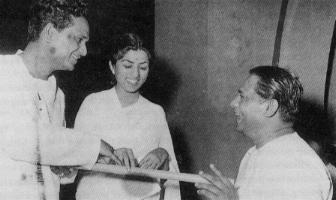 Lata with Anil Biswas and Pannalal Ghosh