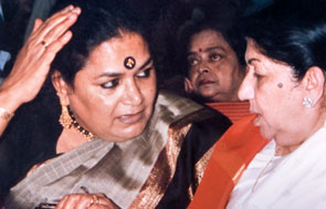 Lata with Usha Utthup