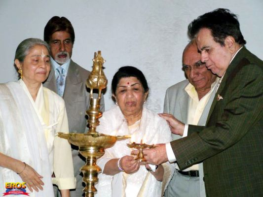 Lata with Amitabh Bachchan, Yash Chopra and Dilip Kumar