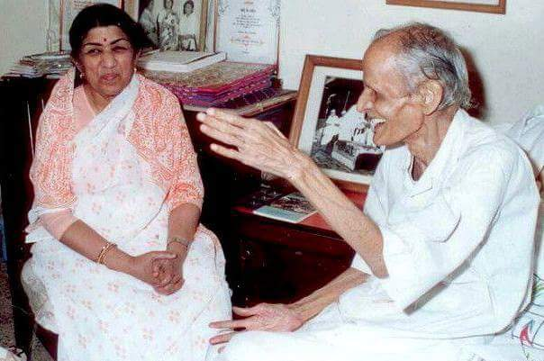 Lata with Kavi Pradeep