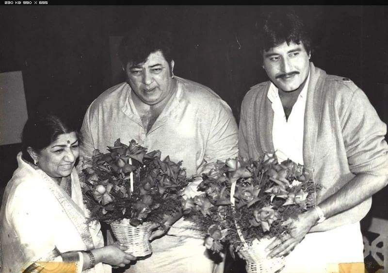 Lata with Amjad Khana and Vinod Khanna